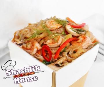 Вок креветки с лапшой и овощами по-пекински